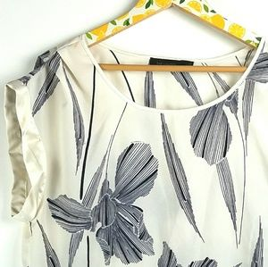 The Limited Ivory Silky Floral Tunic Sz XL